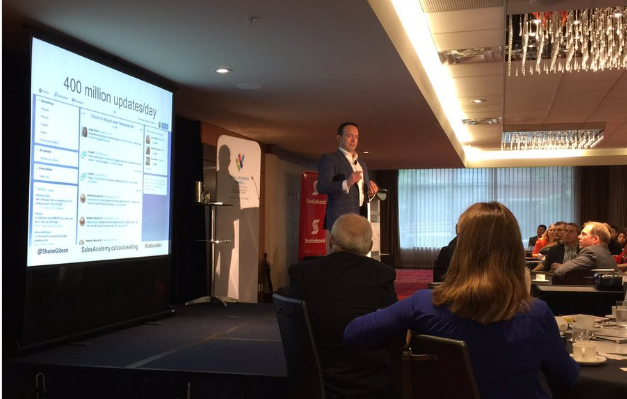 Shane Gibson teaching Social Selling at the Greater Vancouver Board of Trade, photo by Dennis Wilson @smallbizdream